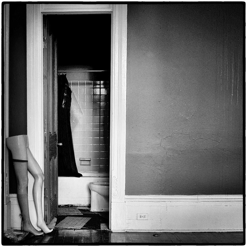 Mitch's-House-Mannequin-Toilet-Esplanade-BW-FRAME-WEB-1000px-DSC00112.jpg