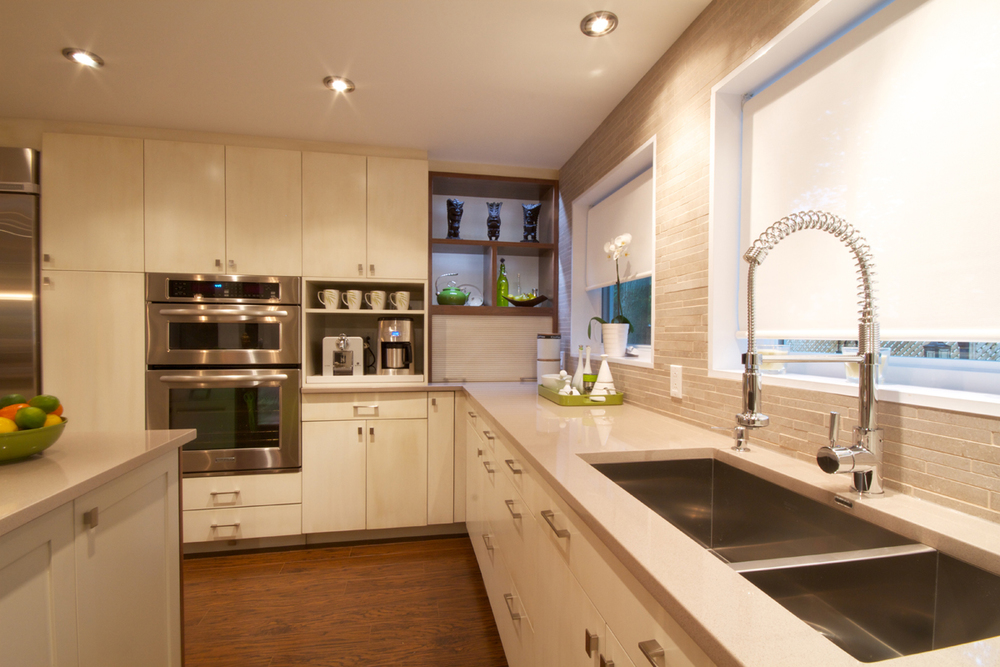 kitchen-with-quartz-countertops-l-aea5338885e2ea3a.jpg