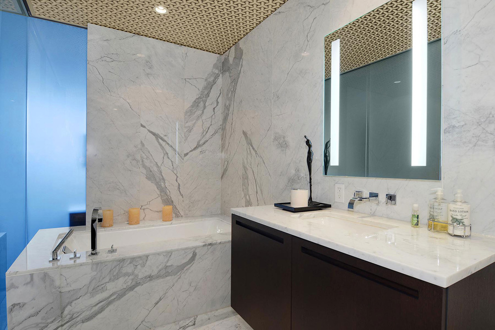 Grey-Marble-Bath-Tub-Apartment-in-Vancouver.jpg