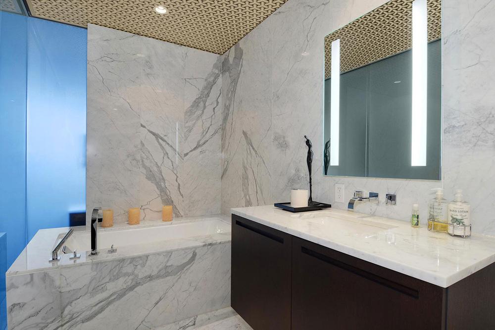 Grey-Marble-Bath-Tub-Apartment-in-Vancouver.jpg