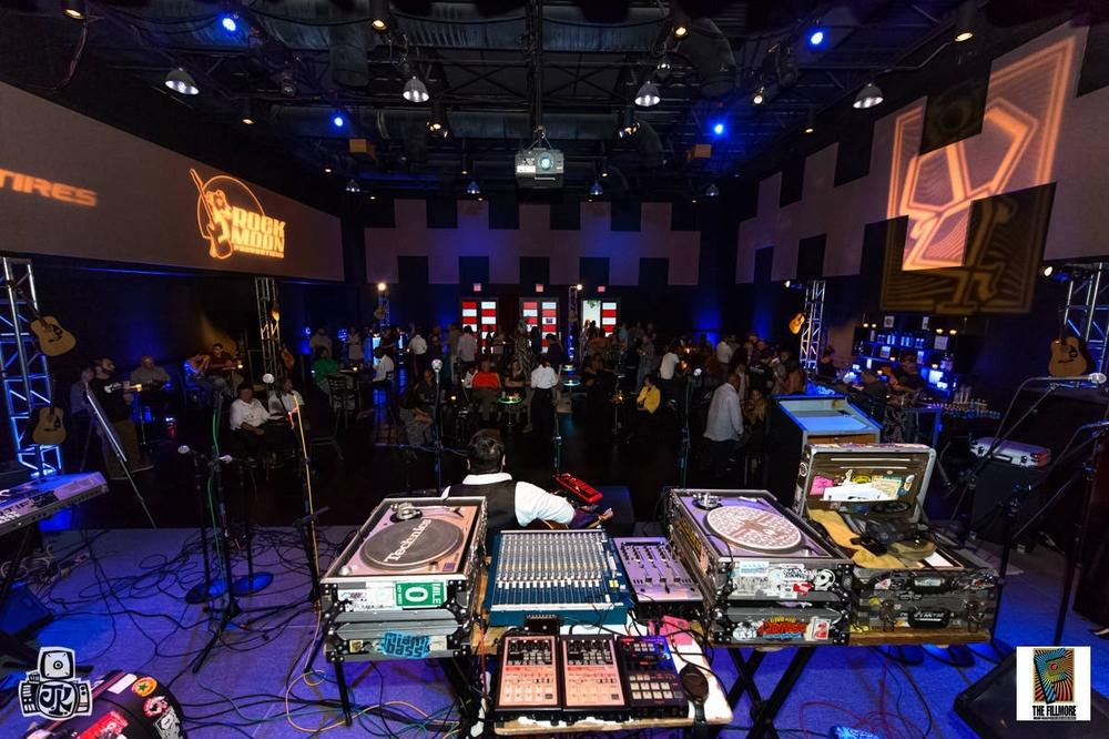 DJ-Setup.jpg