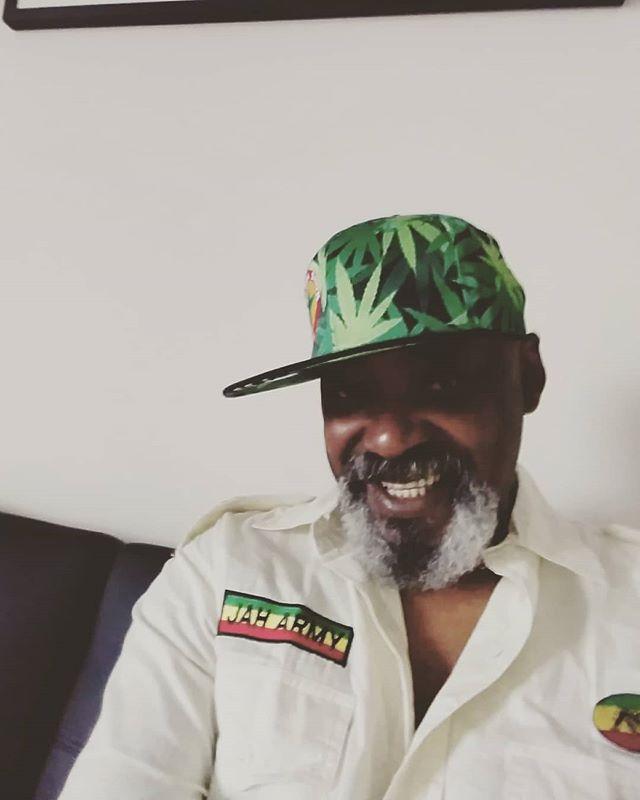 Feliz lunes amigos y familiares Jah rastafari para mi Haile Selassie es el # 1  #TomasDiaz #tomasdiazmusic #rastafari #rasta #reggae #selassie