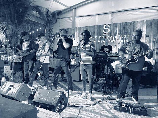En @WynwoodYard con mis hermanos @SpamAllstars #TomasDiaz #tomasdiazmusic #music #wynwood #wynwoodyard #miami #vodka #live