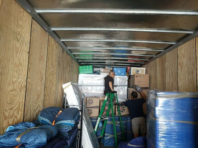 Loading a full load today going cross country. Are you ready to move?  We are ready to help you! #uniquemovinginc #movingsoon🏡 #movers #ventura #oxnard #camarillo #moving