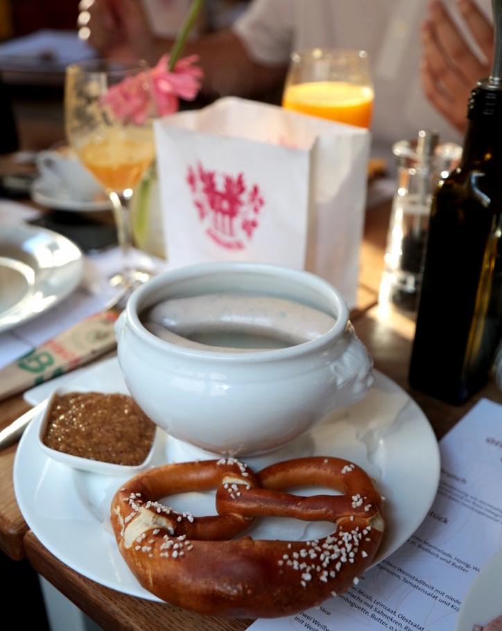 I LOVE BRETZEL`S with Weißwurst und süßem Senf!
