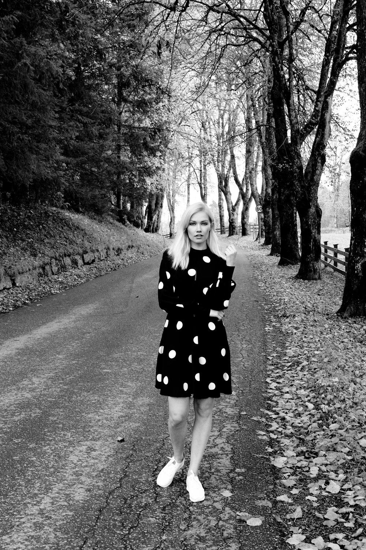 Loving this 'polka dot' dress, also made out of plastic bottles (recycled polyester).  Kjøp hos Vero Moda for 599 kr
