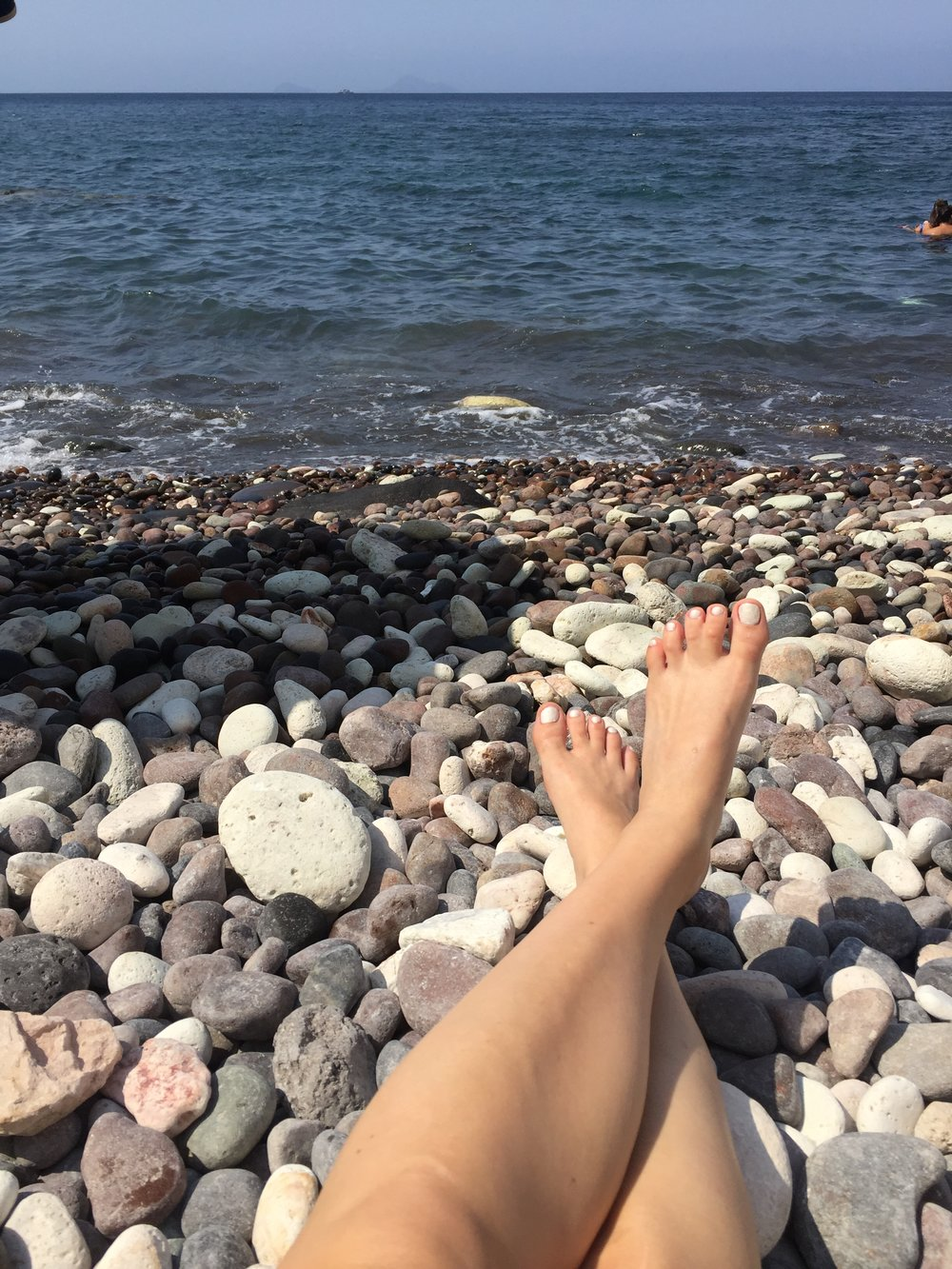 The white and grey pebbles at White Beach