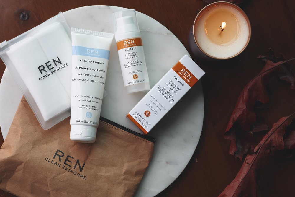 REN SKINCARE - Cleanse and Reveal Hot Cloth Cleanser
