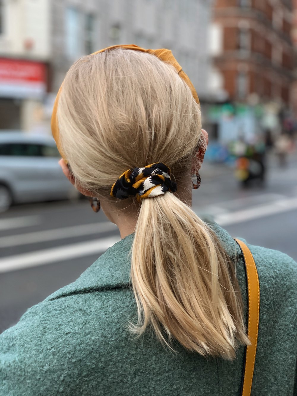 IT'S ALL IN THE DETAILS - Find the hair band hereFind the Scrunchie hereFind the earrings here