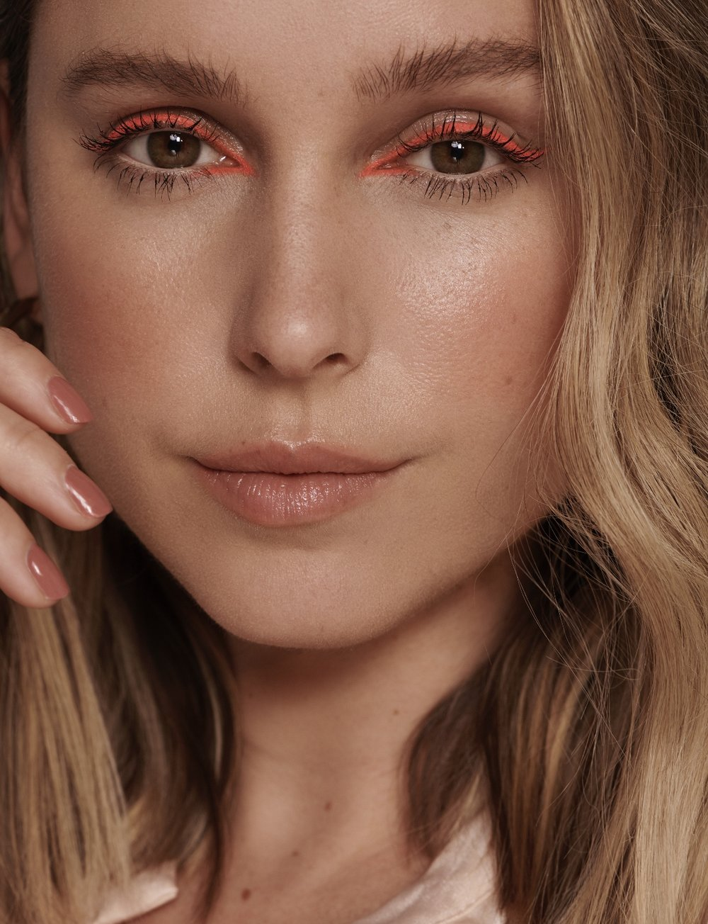 GO PEACHY FOR WARMER WEATHER - Such a lovely shade to have when sporting a little bit of tan, isn't it?Scroll down for updated shop with our current favourites on the market!Stunning image by Eva SchwankMakeup by Lucinda WorthStyling by Nicola Burnage