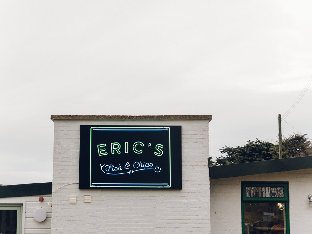 Haarkon Neon Sign Design Font Type Eric's Norfolk