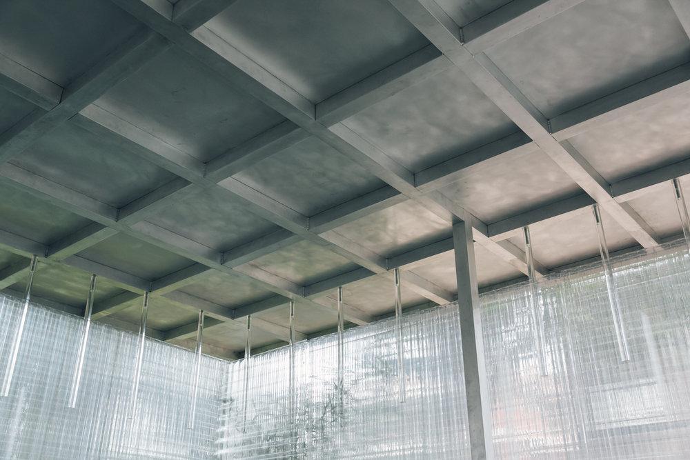 Aluminium roof structure