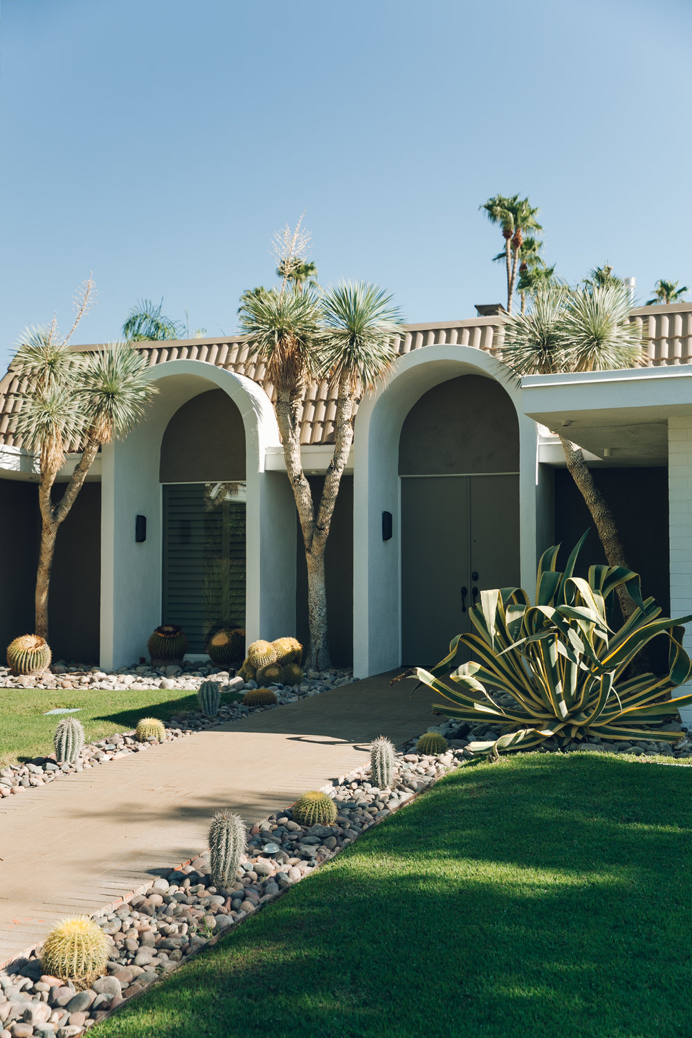 Palm Springs California House With Cactus Path