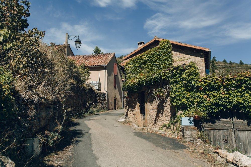 Millau & Carcassonne LR-85.jpg