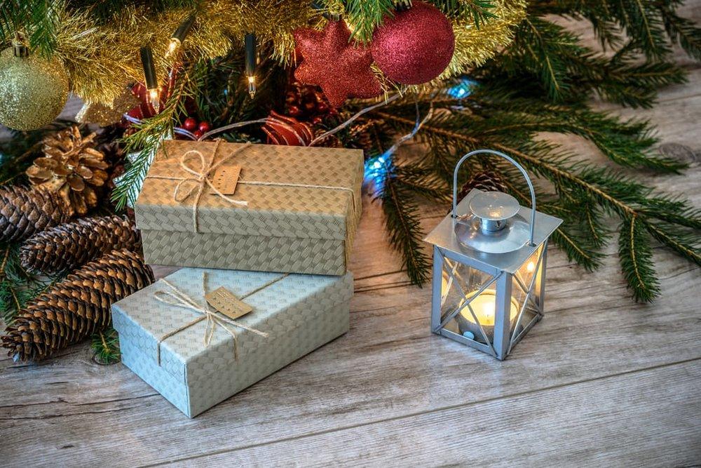 holiday shopping, salesperson, customer review, stylebar, gostylebar