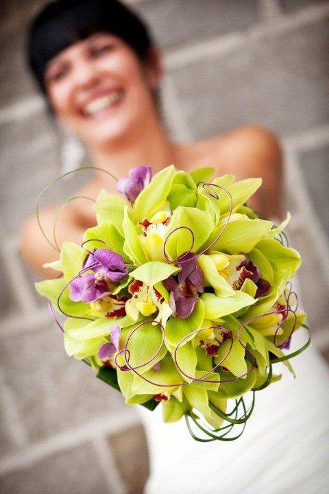 LE GRAND JOUR - Selon vos goûts, vos couleurs ou le thème de votre mariage, je vous fais des propositions personnalisées et créatives.Contactez-moi au 1-866-979-4241 pour prendre rendez-vous et discuter de votre forfait, je me déplace chez vous.