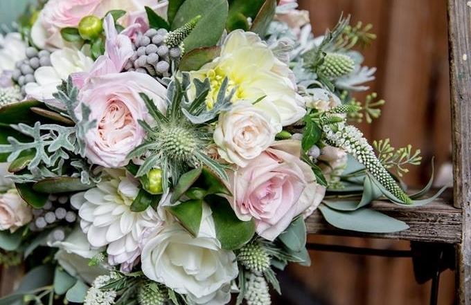 QUATRE saisons - un bouquet printanierun bouquet automnalun bouquet estivalun bouquet hivernal