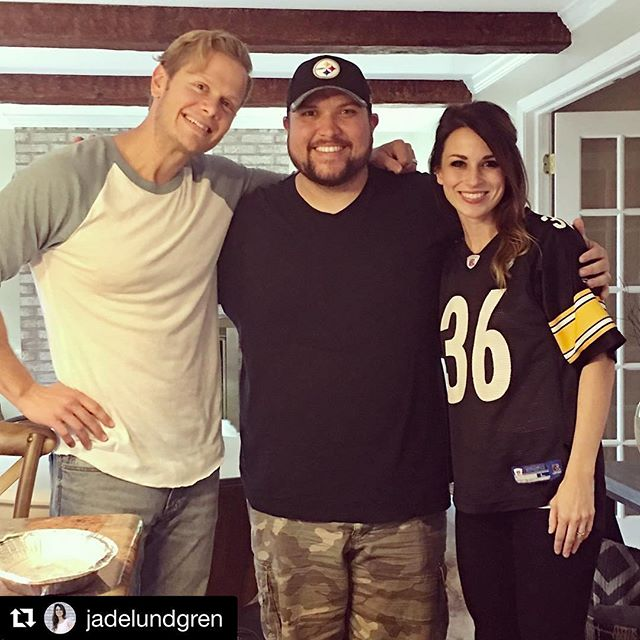 So much awesome in one photo! We love us some @micahtylermusic and @jadelundgren  #Repost @jadelundgren with @repostapp ・・・ Got to steal a quick visit with @micahtylermusic while he's on tour and then see him in concert!! #proudfriend #cogtour