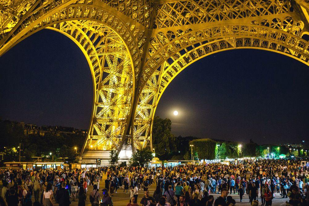EiffelTowerNight2.jpg