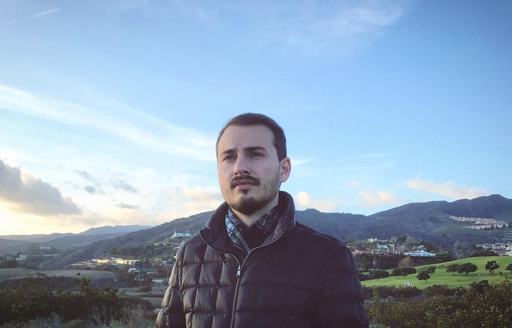 Alex Zhuravlov - Bio Image.jpg