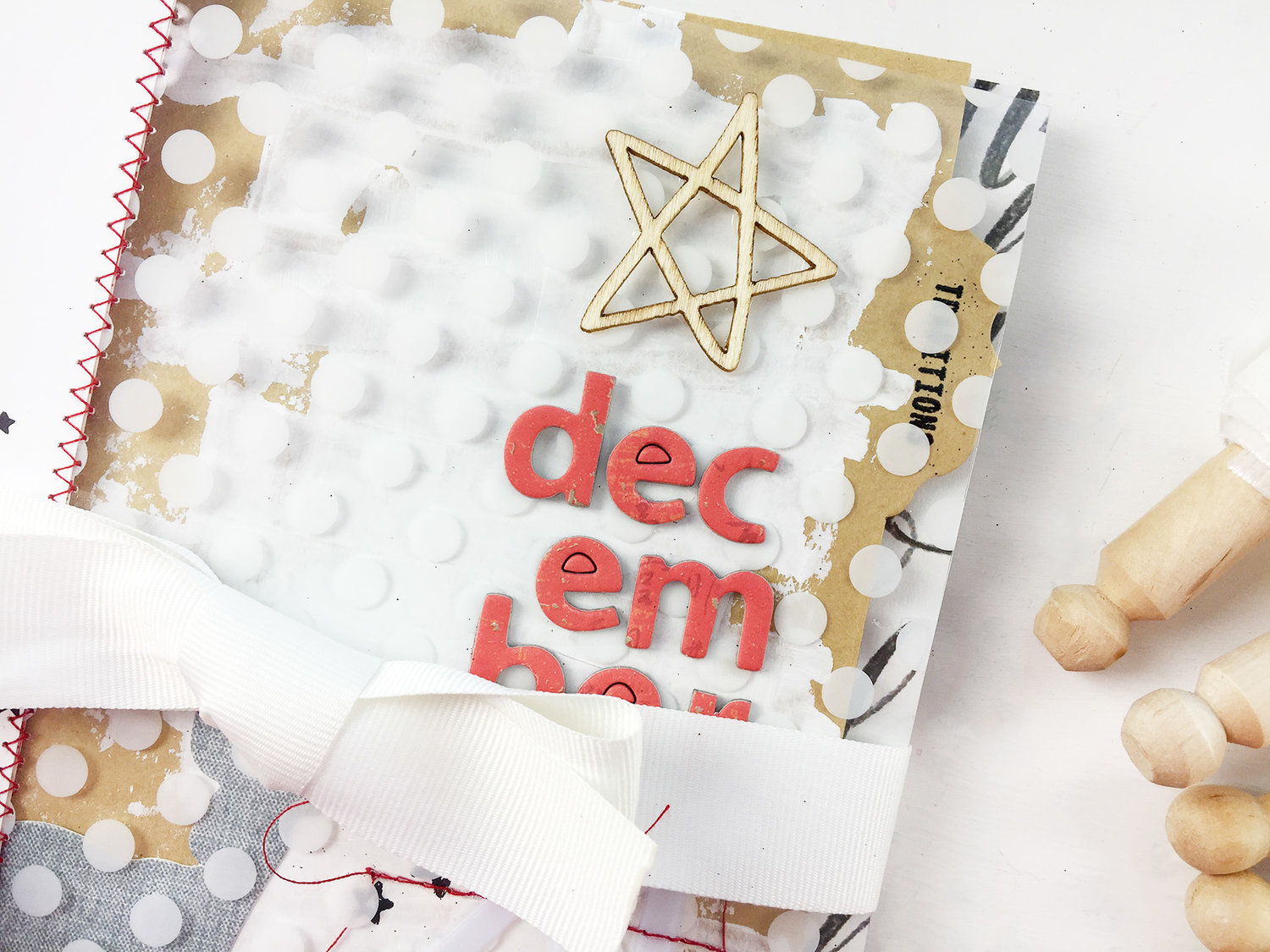 Larkindesign #scrappyChristmasinJuly | December DailyISH 2011 Pt 03