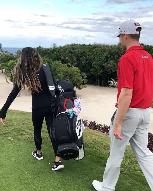 Before I fell, there were a good 15 yards I carried the bag. Brought to you by @titleist @ogio_golf @lululemon @brian_campbell4 @webdotcomtour Watch my highlights to catch the video of me falling 💁🏻‍♀️
