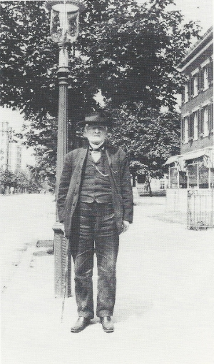 Mosby in Washington, 1910.