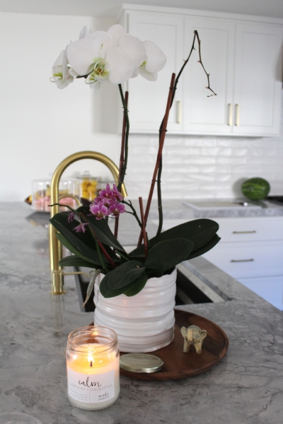 How amazing does my candle look in her kitchen? -