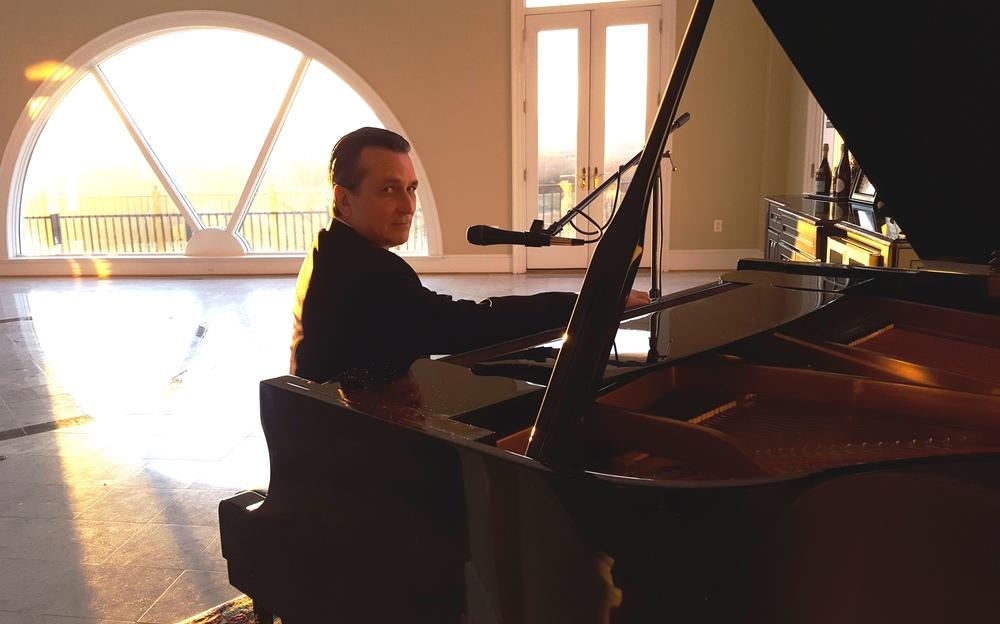 Bill Hariis Jazz Pianist-Vocalist 2027 2016.jpg