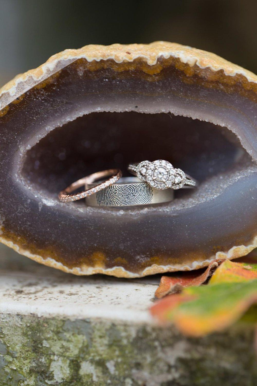 Rustic-Whimsical-Wedding- Tulsa-Wedding-FloristRobyns-Flower-Garden_Mallory-Hall-Photography03.jpg