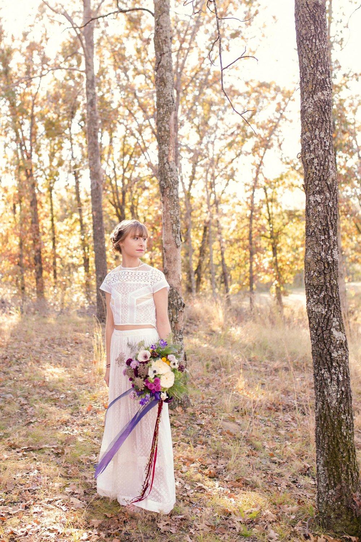 Rustic-Whimsical-Wedding- Tulsa-Wedding-FloristRobyns-Flower-Garden_Mallory-Hall-Photography05.jpg