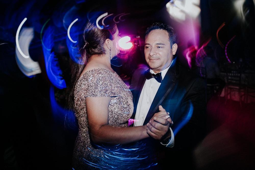 alfonso_flores_destination_wedding_photographer_texas30.jpg