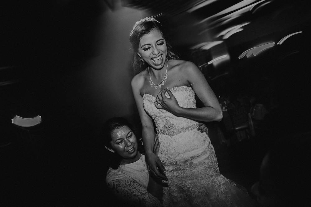 alfonso_flores_destination_wedding_photographer_texas36.jpg