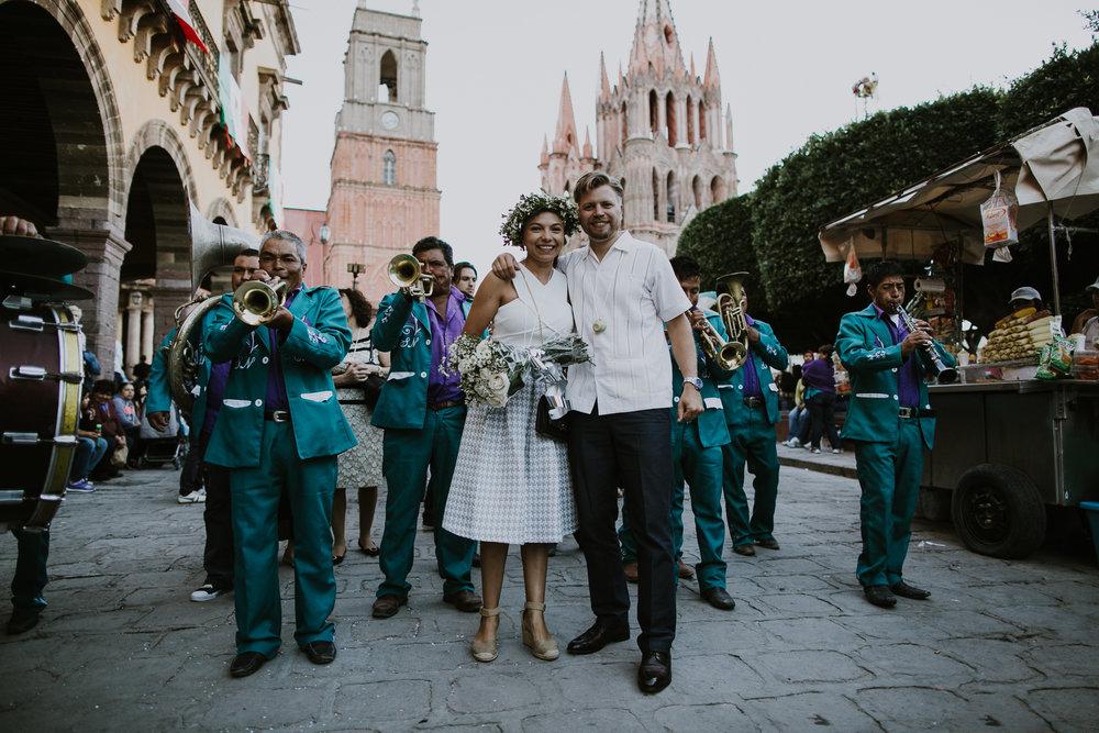 alfonso_flores_destination_wedding_photography_san_miguel_de_allende_casa_chorro-21.jpg