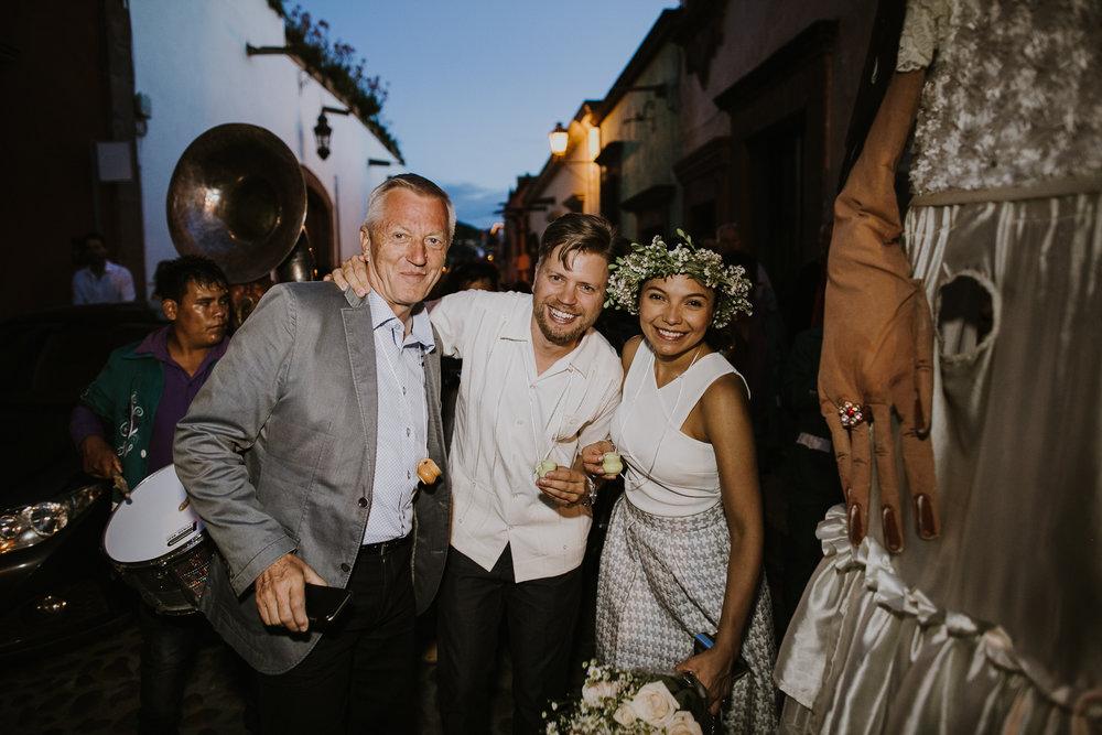 alfonso_flores_destination_wedding_photography_san_miguel_de_allende_casa_chorro-32.jpg