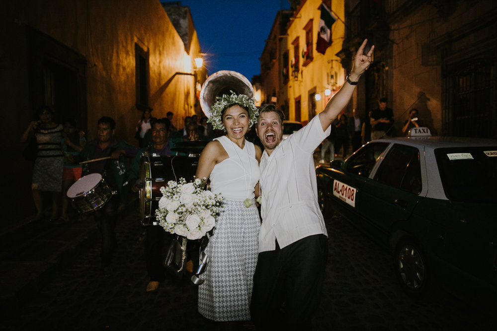 alfonso_flores_destination_wedding_photography_san_miguel_de_allende_casa_chorro-34.jpg