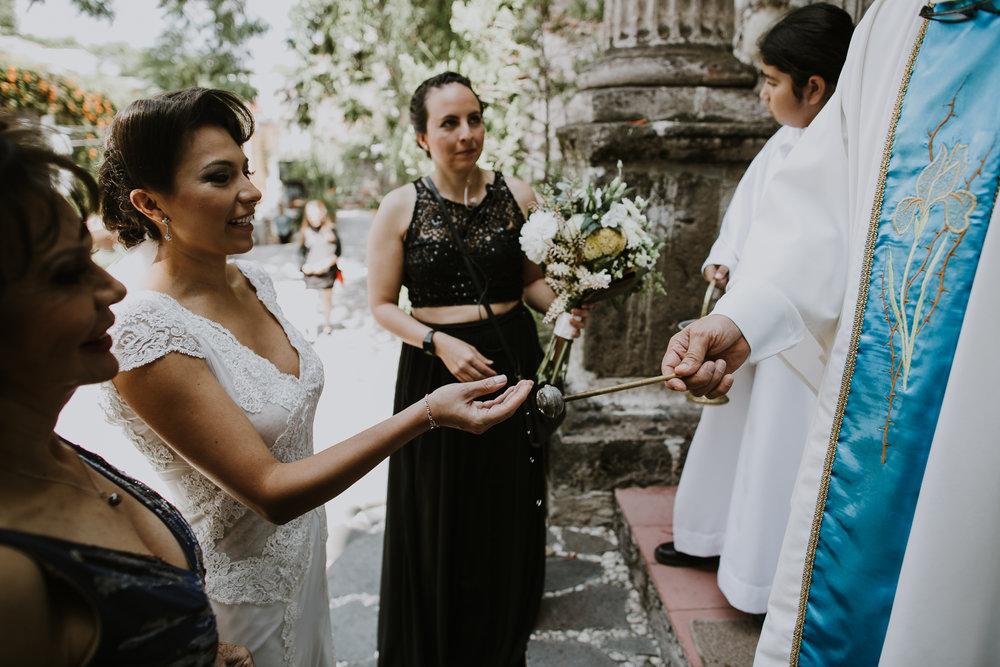 alfonso_flores_destination_wedding_photography_san_miguel_de_allende_casa_chorro-55.jpg