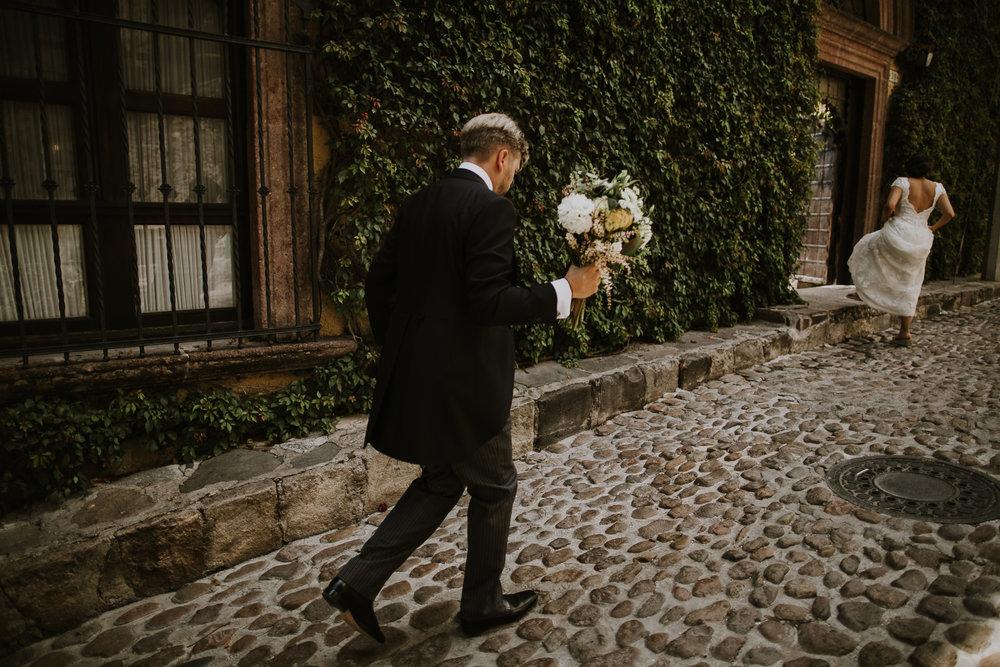 alfonso_flores_destination_wedding_photography_san_miguel_de_allende_casa_chorro-82.jpg