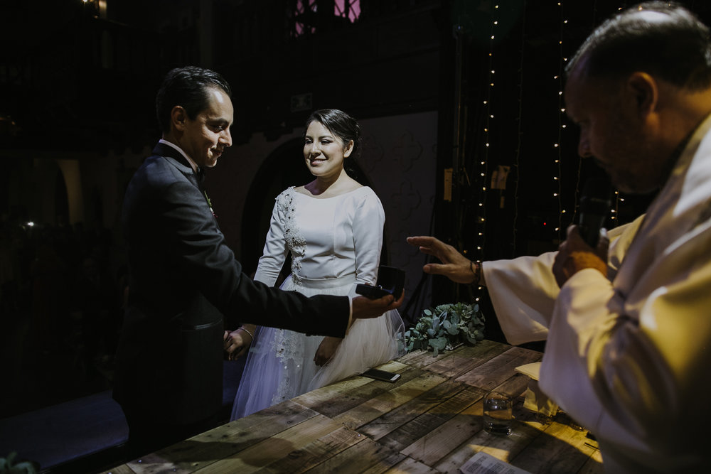 alfonso_flores_alternative_wedding_photographer_cdmx_roma_condesa_foro_indie_gissyotto-72.jpg