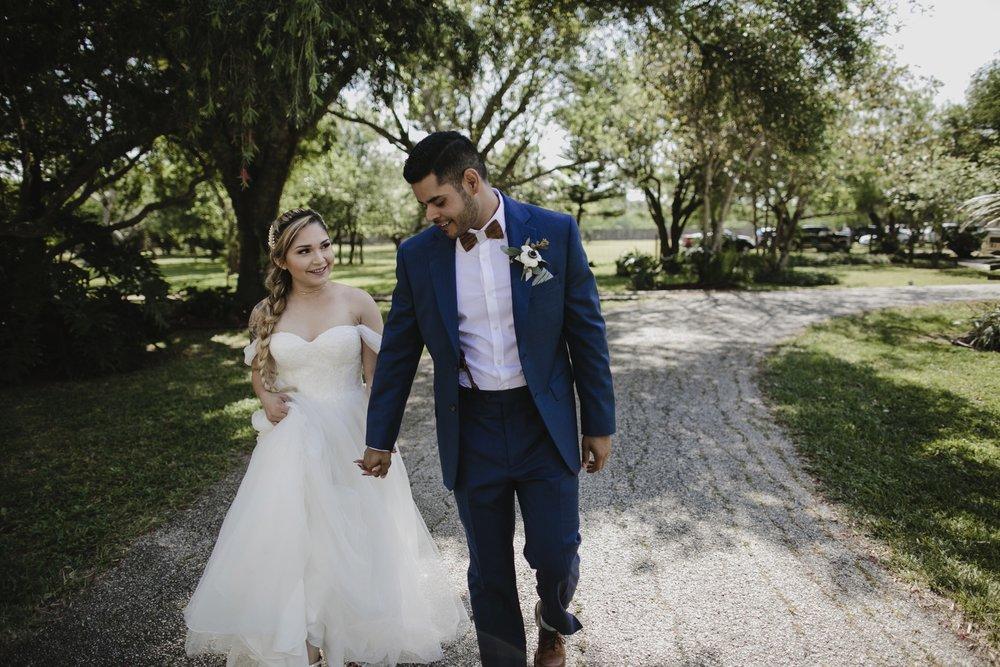 alfonso_flores_destination_wedding_photography_rancho_la_pergola_brownsville_texas28.jpg
