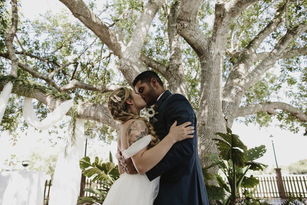alfonso_flores_destination_wedding_photography_rancho_la_pergola_brownsville_texas39.jpg