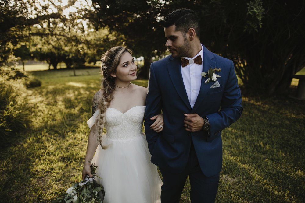 alfonso_flores_destination_wedding_photography_rancho_la_pergola_brownsville_texas61.jpg