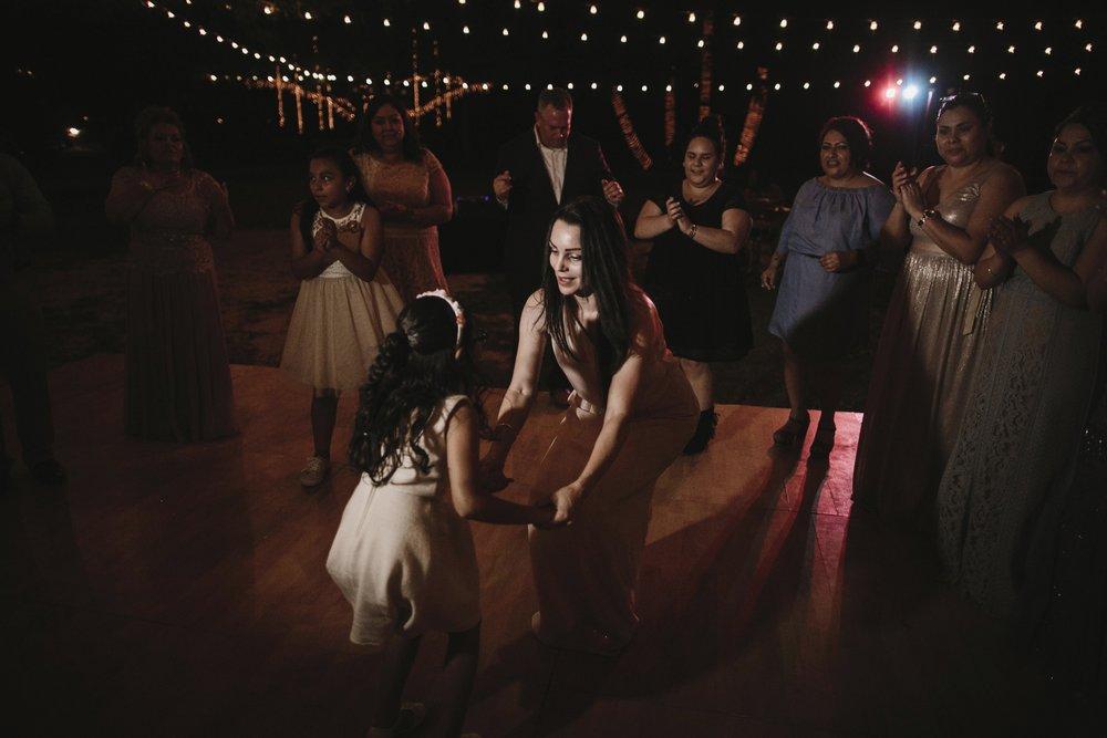 alfonso_flores_destination_wedding_photography_rancho_la_pergola_brownsville_texas90.jpg