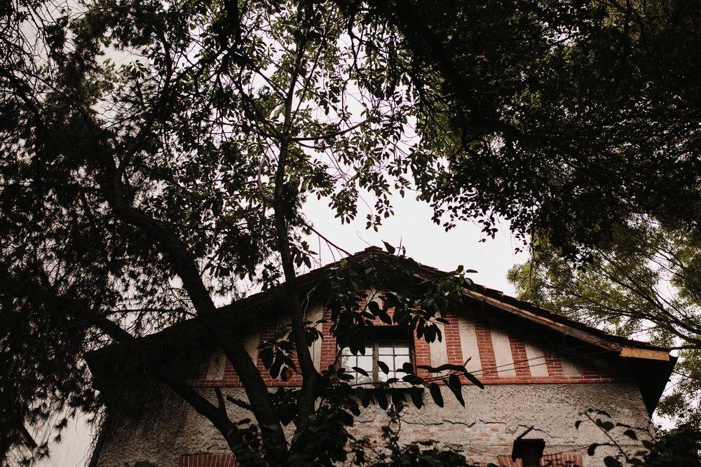 sesion_de_pareja_colonia_roma_ciudad_de_mexico_alfonso_flores_destination_wedding_photography.com7.jpg