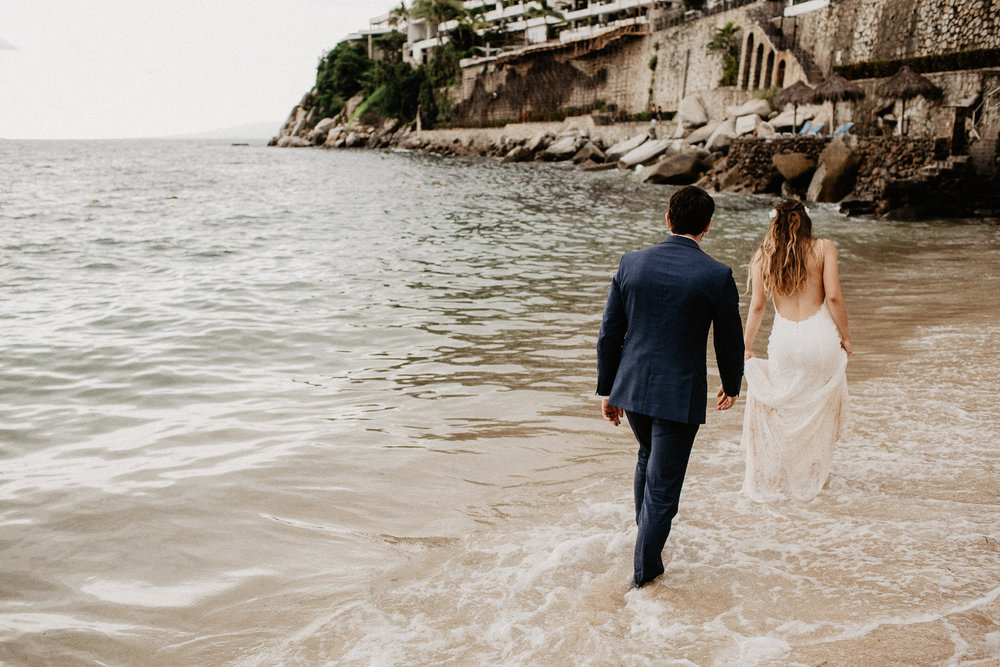 alfonso_flores_destination_wedding_photography_puerto_vallarta_hotel_barcelo_vallarta_cuttler_amela-697.JPG