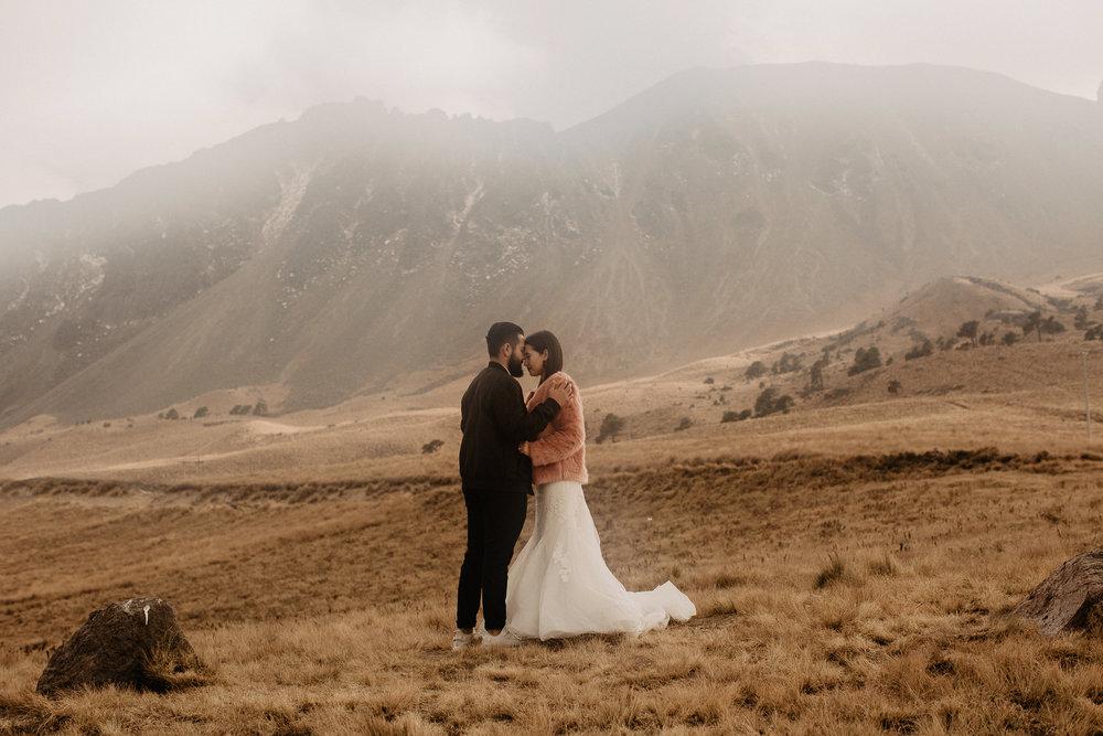 alfonso-flores-fotografo-de-bodas-nevado-de-toluca-sesion-de-pareja90.jpg