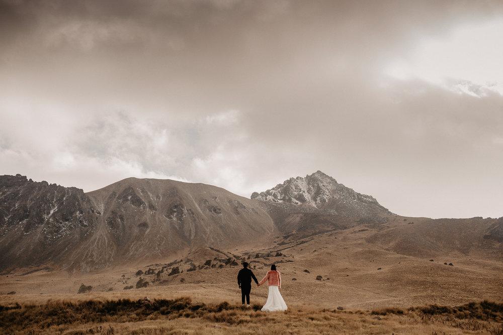 alfonso-flores-fotografo-de-bodas-nevado-de-toluca-sesion-de-pareja108.jpg
