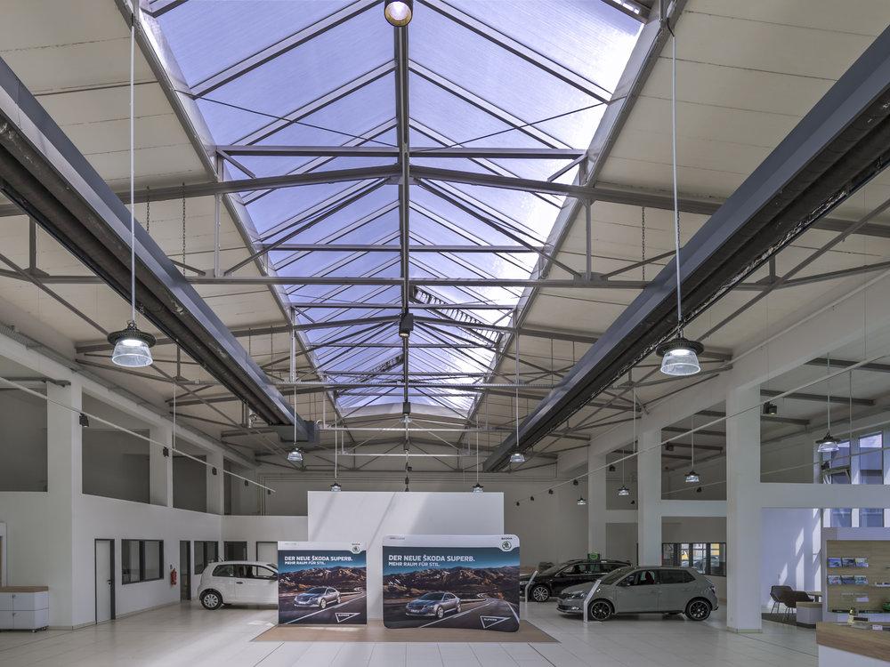 Ideales Lichtdesign für Autohäuser.