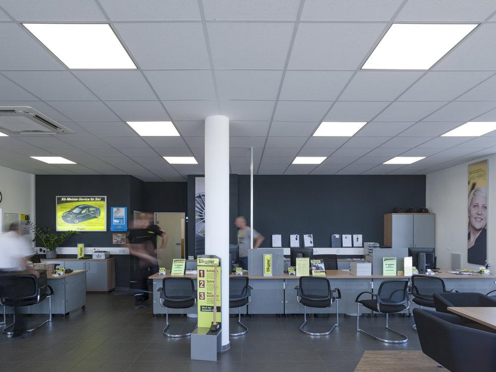 Modernes Lichtdesign für Büros.