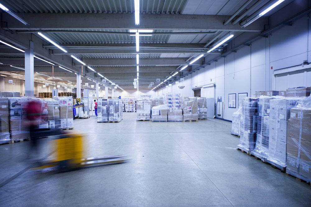 Klares Lichtdesign für Logistik-Unternehmen.